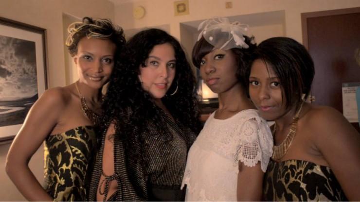 TolumiDE Video Abigail de Casanova Kristy Joness, Landa Loring